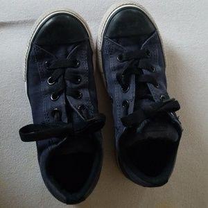 Boys tennis shoes Converse